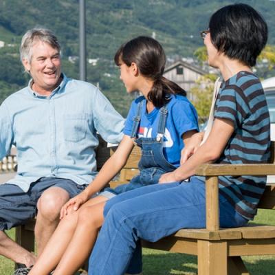 ハンフリー ロスさん(63歳)山本 千智さん(45歳)心さん(12歳)