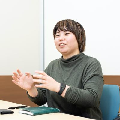福本梓さん(27歳)<br /> オレンジベイフーズ株式会社